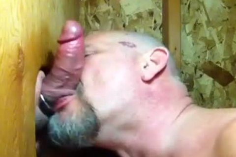 """Some twinks Need kissing"": Bear sucks dick And Makes Out In Gloryaperture"