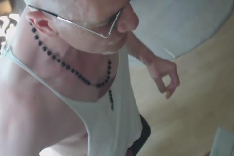 So Fckin charming this day, Makes Me Feel Sweaty, lustful Nd Thirsty, Ever Mixdup Bear&piddle? Thats What I Did while Hvin Some Cockndbodyfun. Wld Y Like To Share A Bottle With Me? enjoy Nd Let Me Know;-))