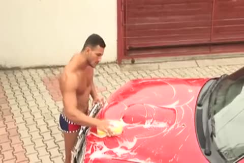 [[GVC 347] powerful Hunk Tugging penis By The Car