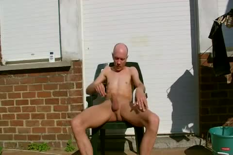 Shaving Myself,outside,in My Backyard.mp4