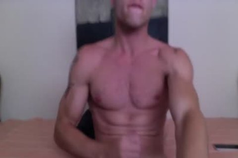 Justin Matthews Has A spunk Fest On His Six-Pack Abs