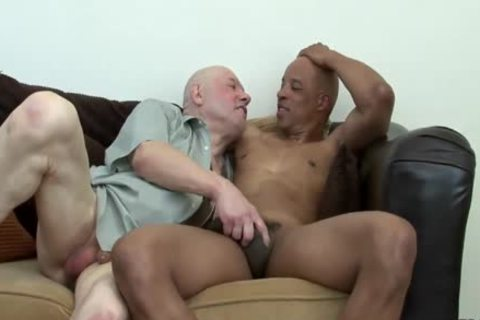 Daddy acquires pounded By black Hunk
