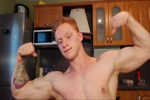 Ginger Twunk Showing Off On cam