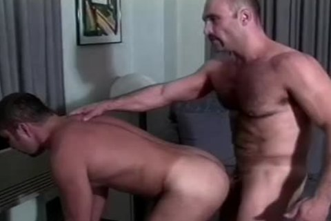 Muscly Hunk bonks A gorgeous butthole doggy style