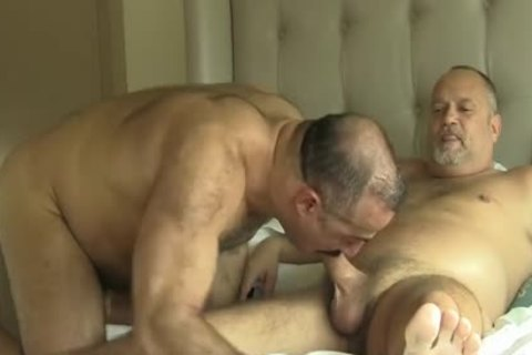 Two sexy Daddy Bears