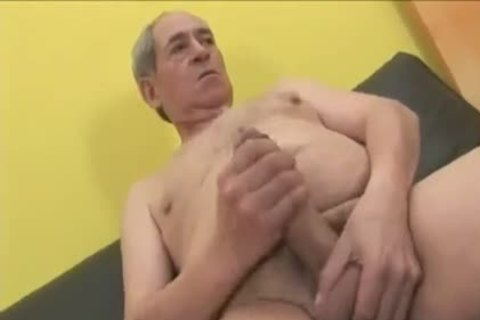 Crossdresser sucking & poked By old Daddy