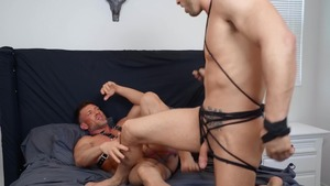 Why Knot: bare - Roman Todd with Bruce Beckham American Hump