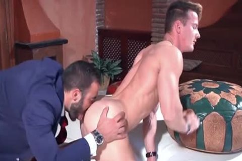 Muscle Homo booty stab And ejaculate Flow