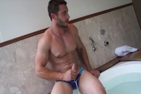 Muscle Jack In The pretty Tub With James Nowak