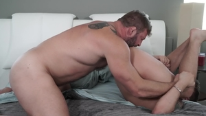 Icon Male - Brown hair Brandon Wilde expose big cock