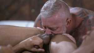 IconMale.com: Zario Travezz painful anal sex tape