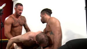 MenOver30.com - Michael Roman plus piercing Trey Turner