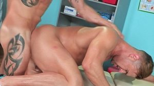 HotHouse: Sean Maygers among muscled Josh Conners masturbation