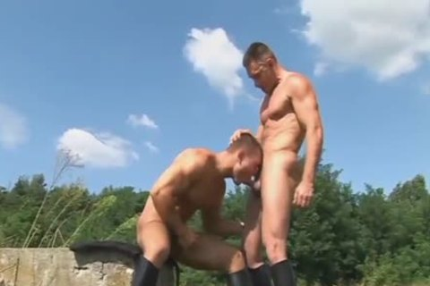 boy gives a great rim job outside